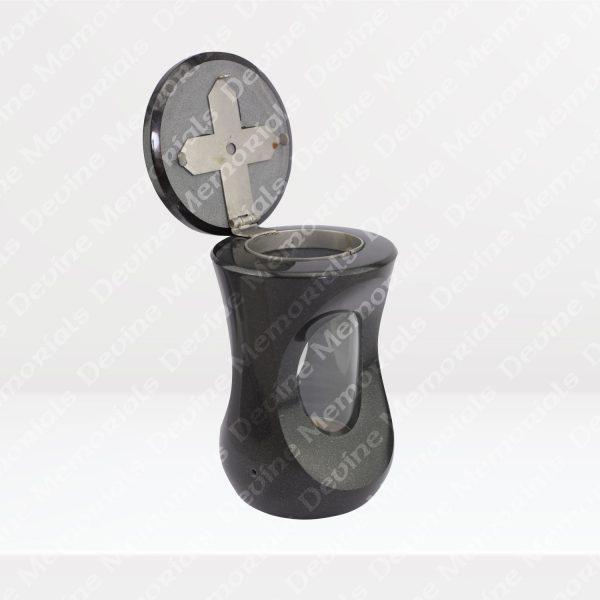 Cairns-Lantern
