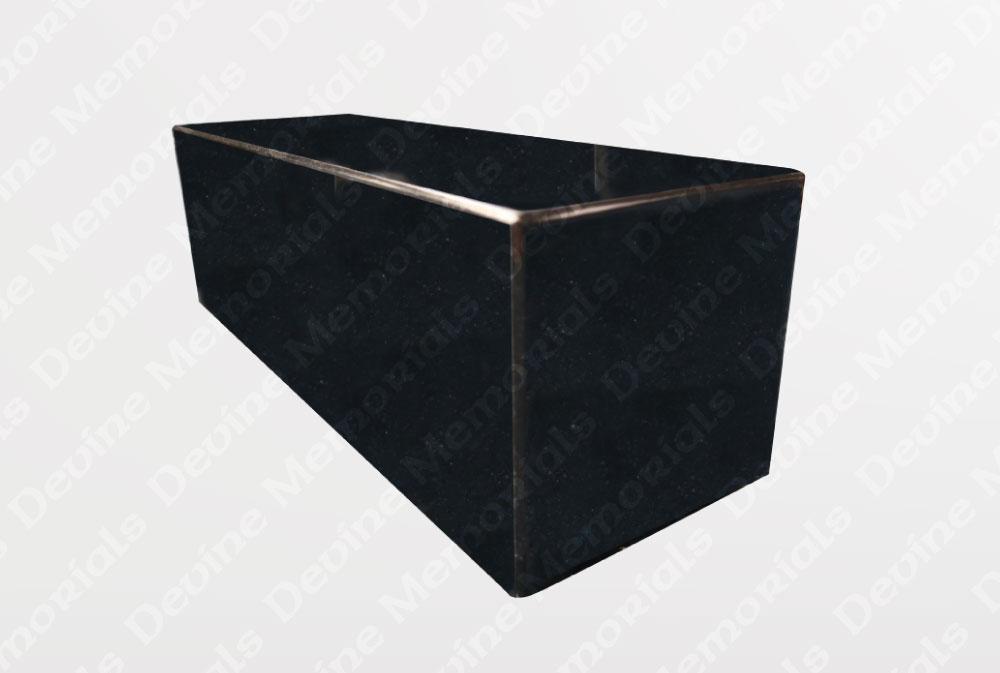 Square-kerb